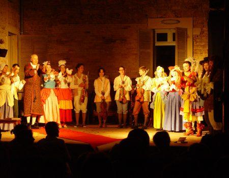 Molière Theateraufführung  unter der Verrière im Espace Château DES